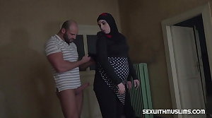 Pregnant muslim woman has intercourse with friend